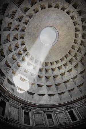 L'occhio del Panteone, a Sundial
