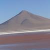 Volcan y Laguna Colorado, Bolivia