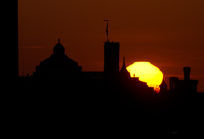 Sunrise over the Smithsonian