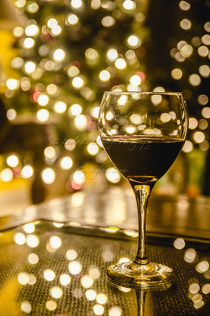 On the 11th Day of Christmas: A Glass of Red and Bokeh (Day 4/366)