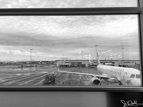 121/365 - Airport