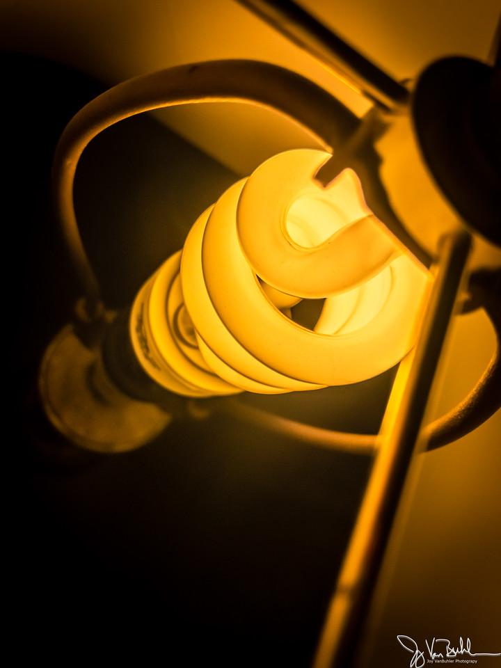 95/365 - Light Bulb