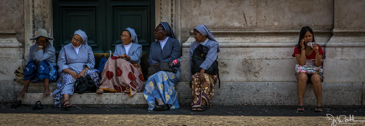 35/52-5: Nuns in Rome