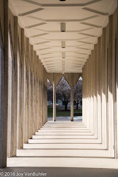 2/52-1: Yamasaki's Education Building