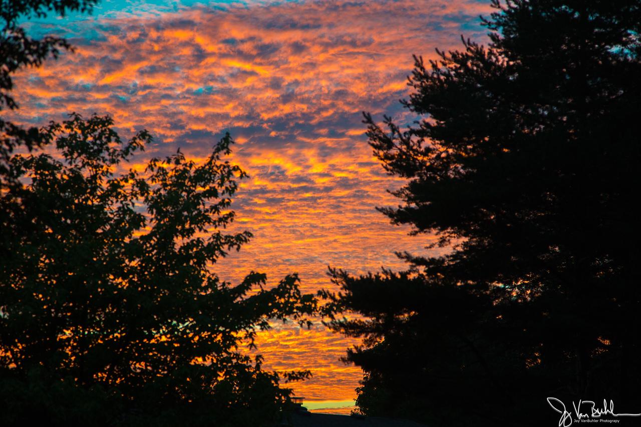 28/52-1: Sunset