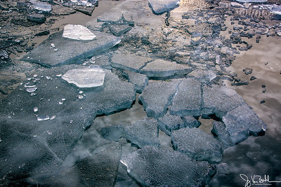 4/52-1: Ice in the Detroit River