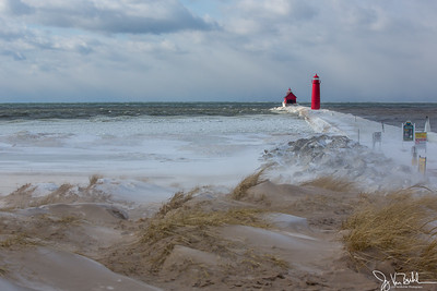 2/52-3: Grand Haven Lighthouse