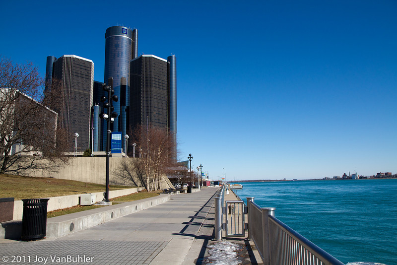2/19/11 - The thing that I really like about doing Project 365 is that I'm doing things I would not normally do.  On a nice day in February, my first thought is not to go down to the Detroit Riverfront.  It was a great day and I'm glad that I went