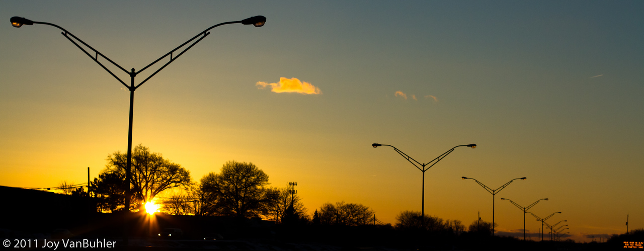 2/14/11 - I tried to take advantage of the slightly longer days by bringing my camera with me on my way to tennis tonight.