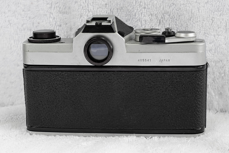 CHINON CS 35mm Film SLR