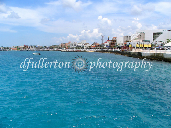 The tropical waters of Cozumel seen during our Mexico vacation, 2005.