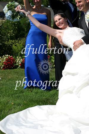 Lorena posing during her wedding day with Matt, 9-6-08.