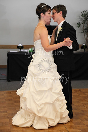 Katharina and Anthony sharing their first dance as husband and wife.
