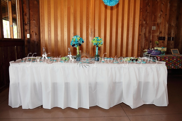 A simple yet colorful head table.