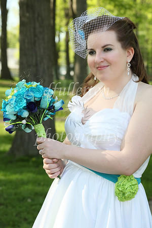 Due to being in a decently sized park, along with a comfortable afternoon, we had the opportunity to take quite a few photos outdoors during Bobbi's wedding.