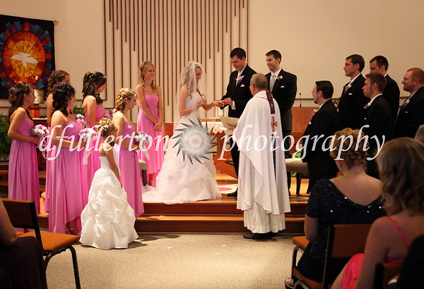 The whole bridal party during the ceremony.