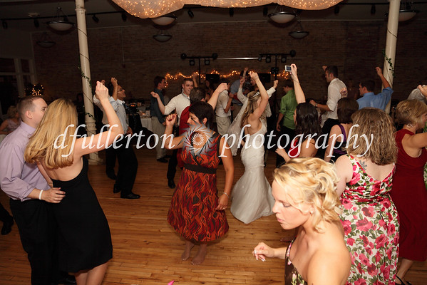 Everyone dancing the night away at the reception!  8-1-09