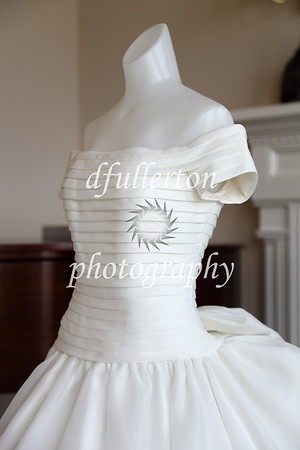 An updated photo of Rita's wedding dress.  Captured with natural daylight.  4-15-09