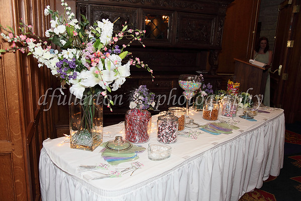 The reception started off with a nice arrangement of pretzels and candy for the guests.