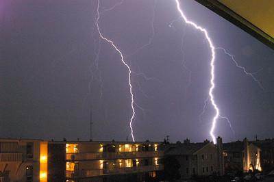 EL- Lightning 01