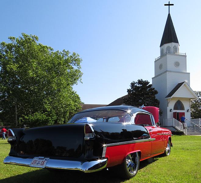 2016 05 07 TB Vintage car day at the church