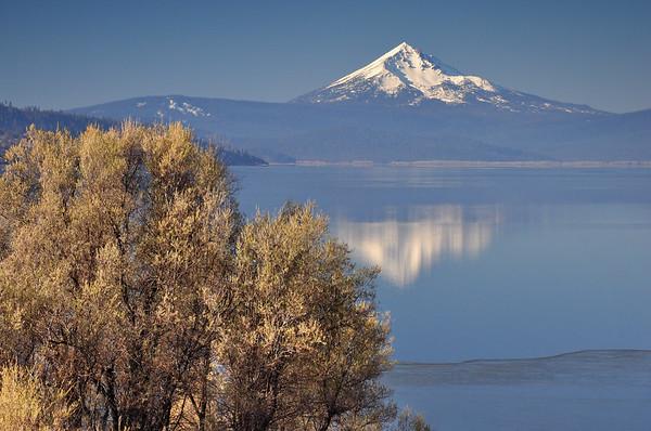 Mount McLoughlin and Upper Klamath Lake Upper Klamath National Wildlife Refuge, Oregon.  Copyright © 2011 All rights reserved.