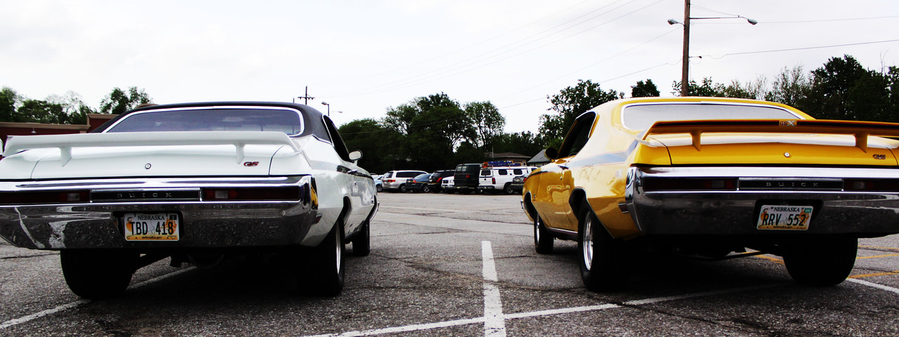 It just so happened that a Buick GS pulled up and parked next to the GSX. What a cool find!