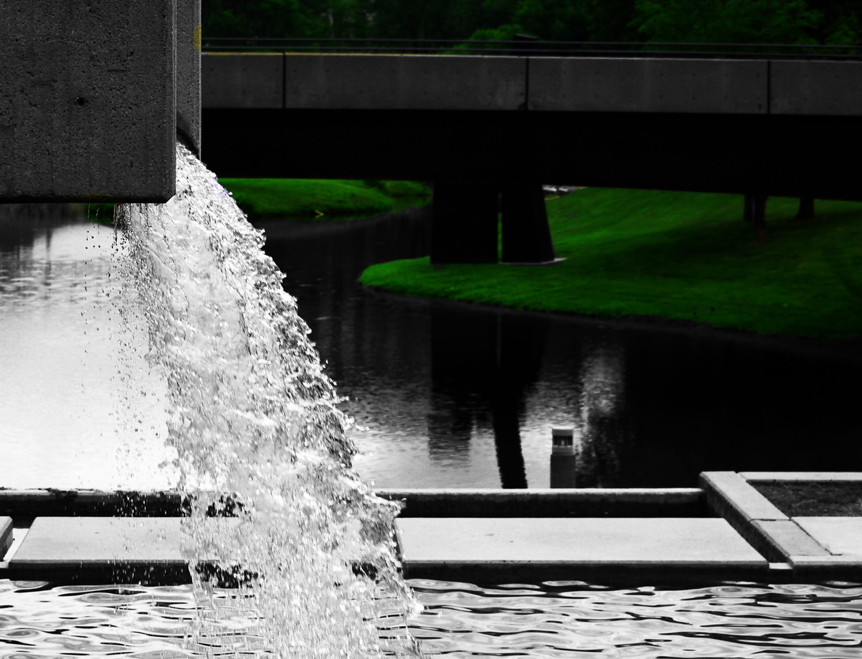A little waterfall at the Gene Leahy Mall in downtown Omaha, nebraska.