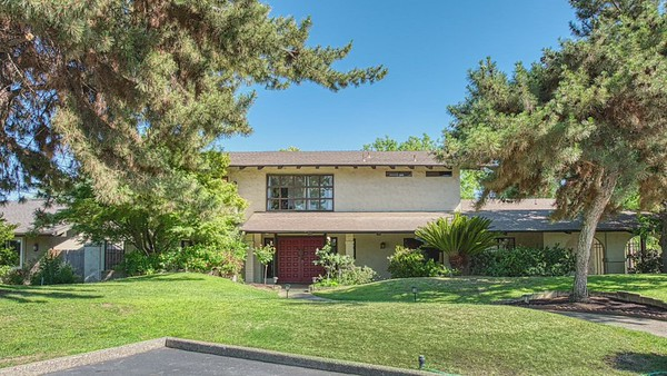 1411 W Moraga Rd, Fresno