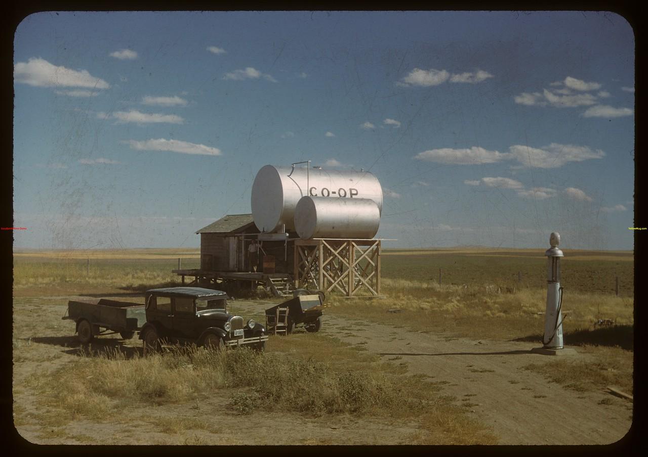 Orkney oil co-op.  Orkney.  09/04/1948