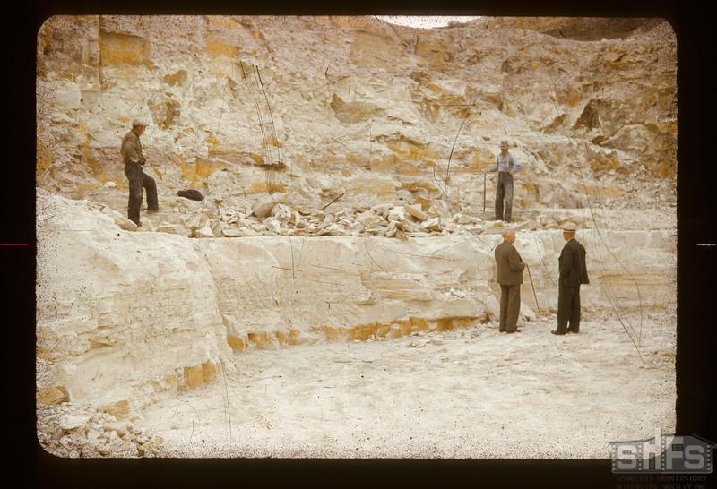White mud mine Eastend 09/10/1941