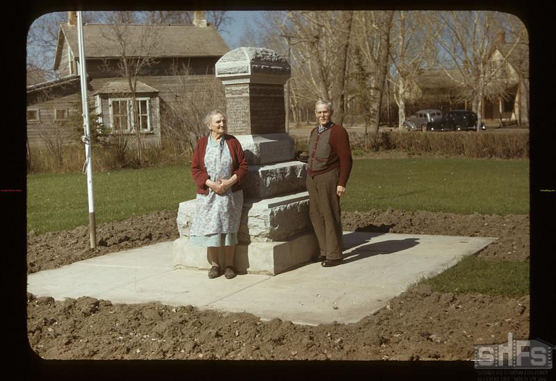 Mr & Mrs Ab Partridge. Lumsden. 05/10/1948
