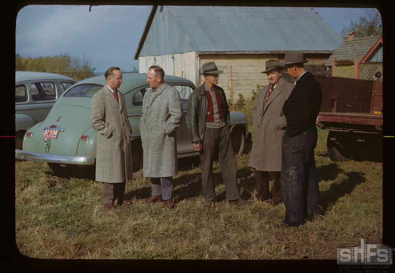 A study of Melforts new Co-op oil setup; L. Sanderson - Wilson Parker - J. R. Dickie - H. W. McNeil and John Naber Melfort 09/26/1946