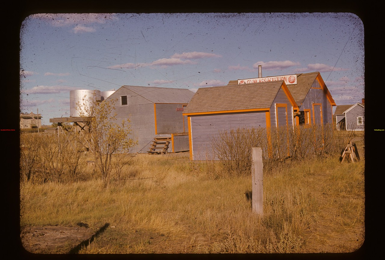 Co-op Oil Stand Kincaid 09/12/1941