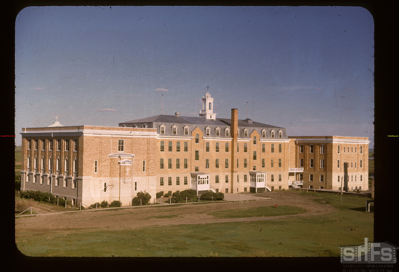 Convent from the west	 Gravelbourg	 06/11/1947