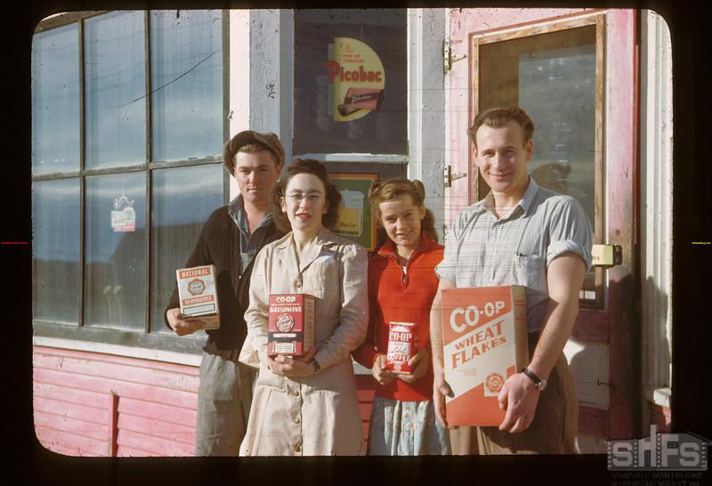 Fairy Glen Co-op store - staff and customers Fairy Glen 09/27/1946