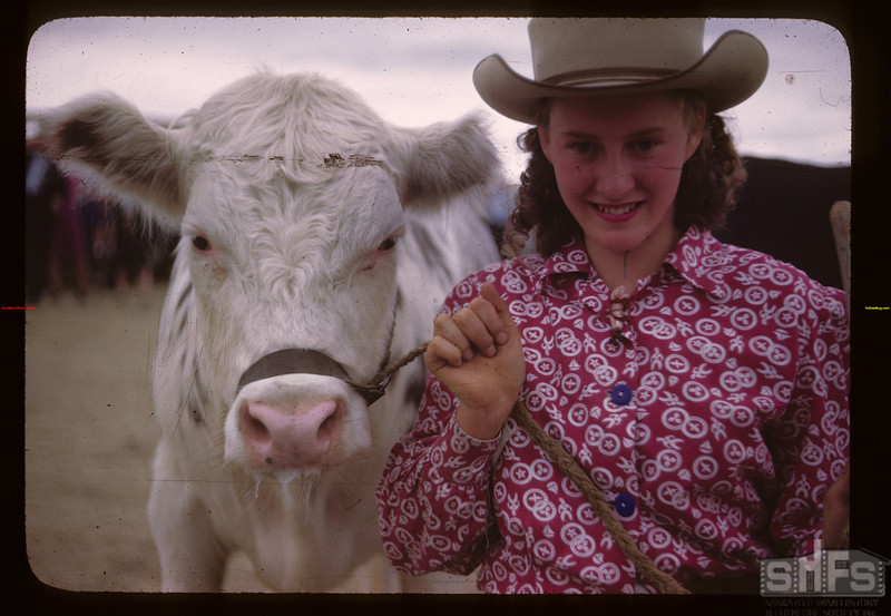 Donna Smith - Baby Beef Club Show.	 Mankota	 06/05/1946
