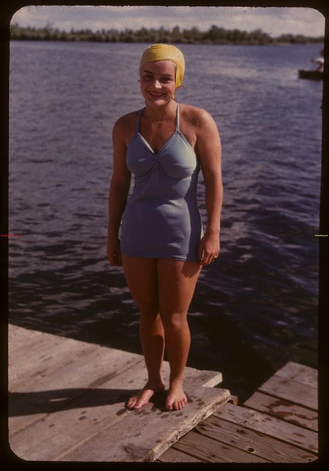 Doreen Edmiston - Regina Boat Club swim meet.  Regina.  08/16/1947