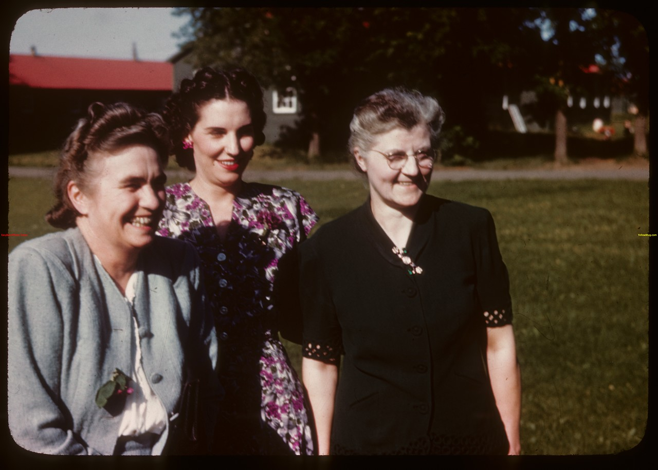 Prominent leaders in women's Co-op Guild at PA Co-op school..  Prince Albert.  07/12/1946