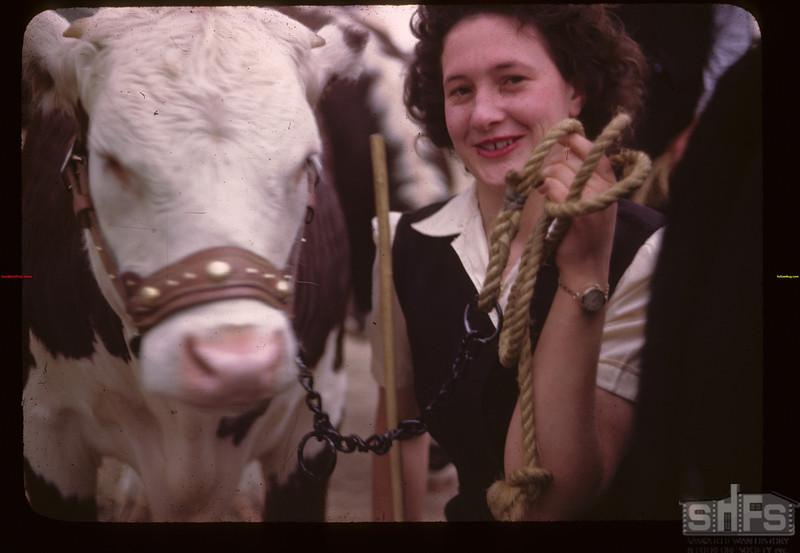 Dorothy Munn - Baby Beef Club Show. Mankota 06/05/1946