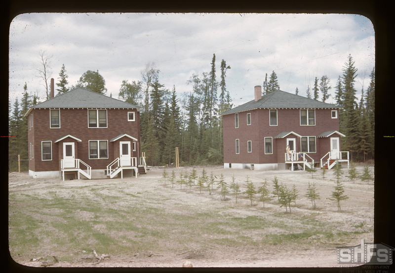 Government staff houses.	 Beaver Lake	 06/22/1946