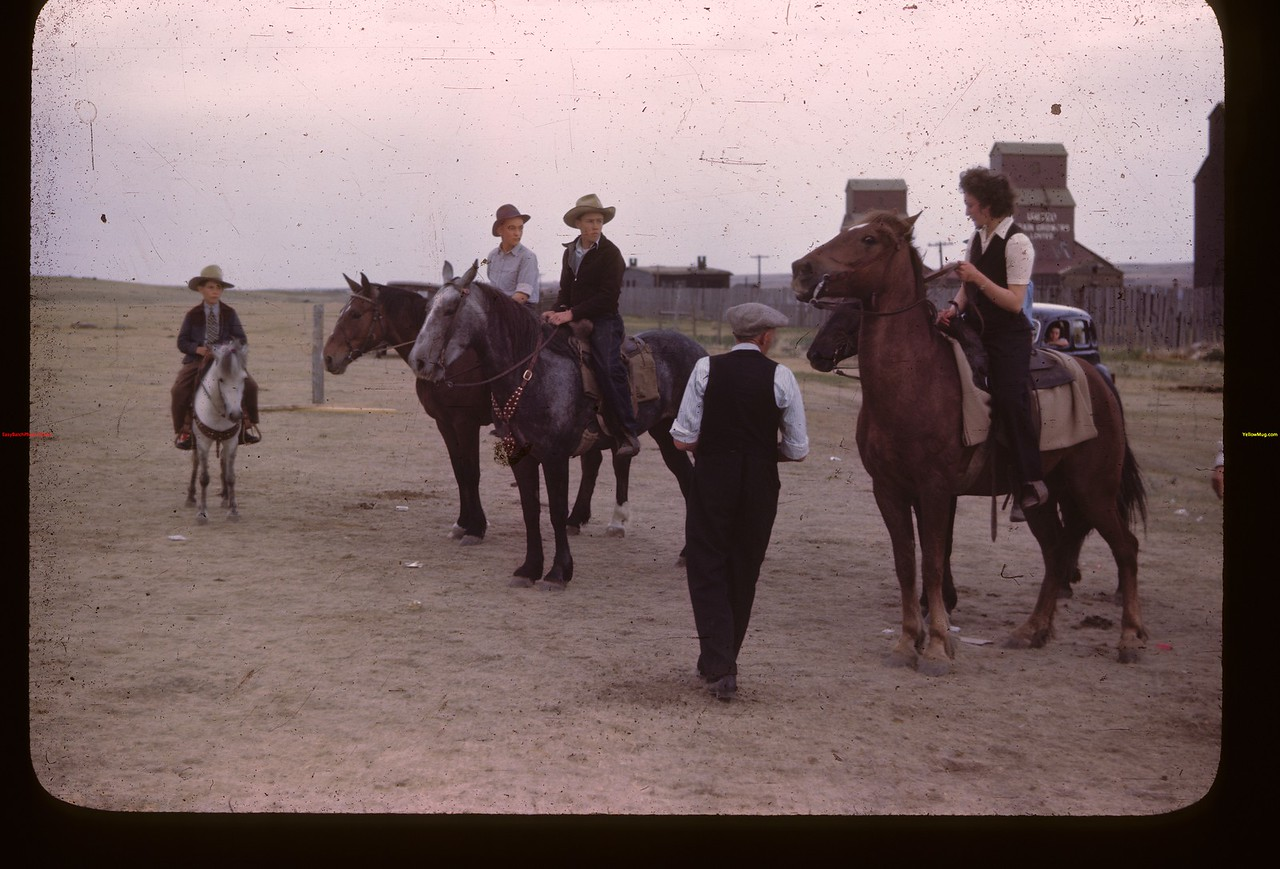 Pony competition.	 Mankota	 06/05/1946