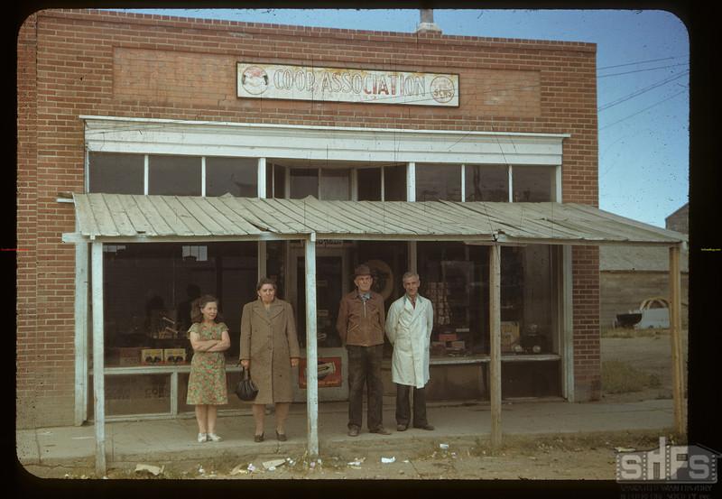 Bracken co-op store - Miss. Wright - Mrs. Piehl & Mr. Piehl & A.M. Fosen manager Bracken 09/04/1948