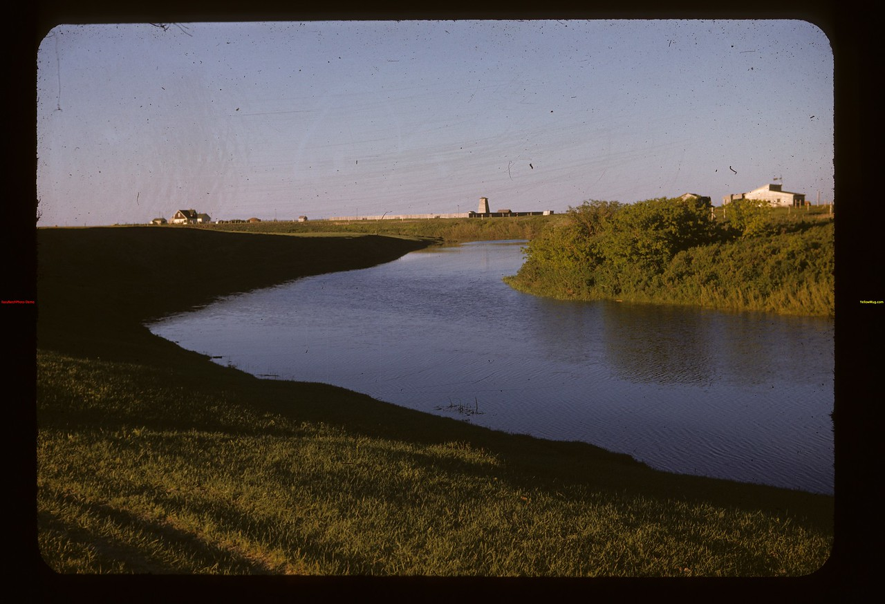 Wood River and fox farm east of Gravelbourg. Gravelbourg 06/11/1947