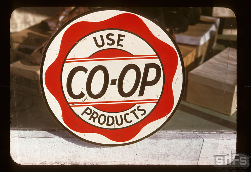 """Use Co-op Products"" - Lorlie Co-op store	 Lorlie	 09/04/1947"