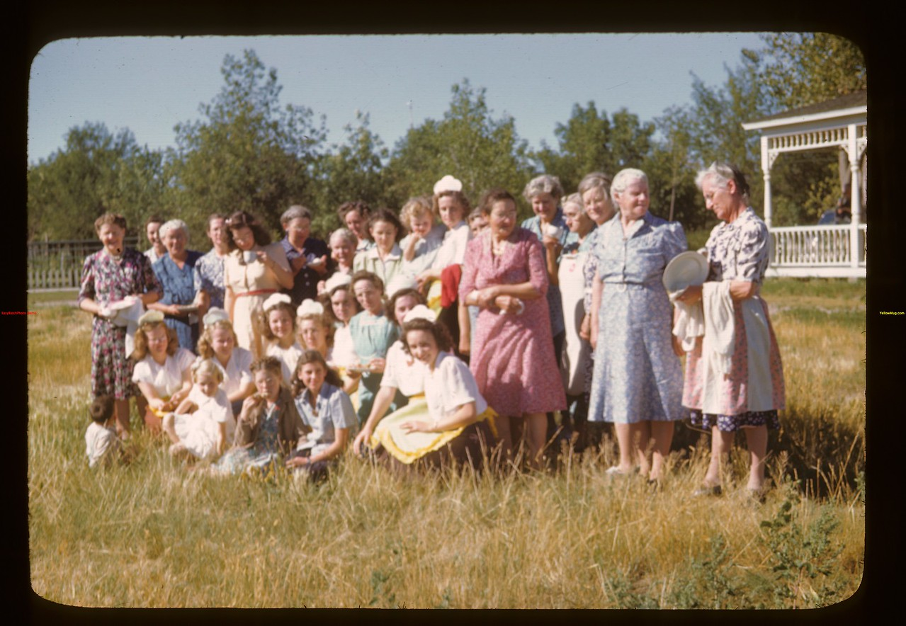 Ladies who prepared and served the perfect meal for US co-op tour Davidson 08/11/1946