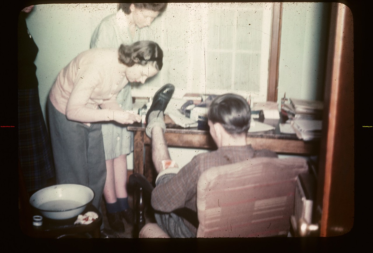 Dunc Roberson up for Repairs. Y-T-S. Kenosse Lake 11/26/1946