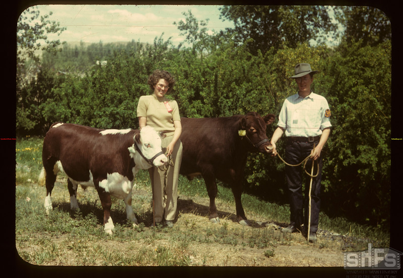 First in showmanship Vera & Gregory.	 Eastend	 06/01/1949