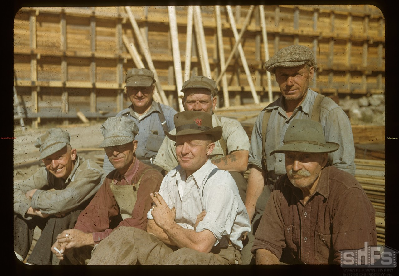 Construction crew - temporary bin Pool elevator, Orkney, 09/04/1948