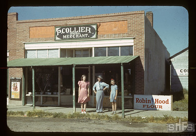 Collier's Store and staff. Bracken. 08/28/1942
